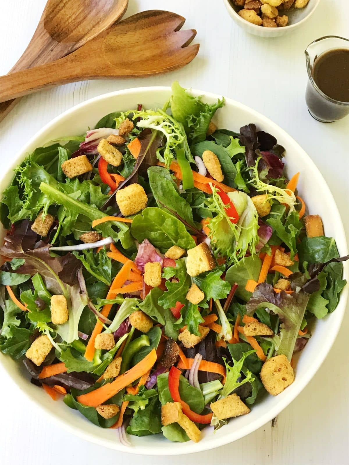 overhead of salad in serving bowl