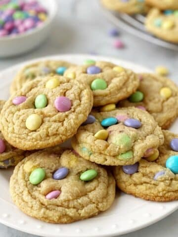 close up of cookies on a white plate
