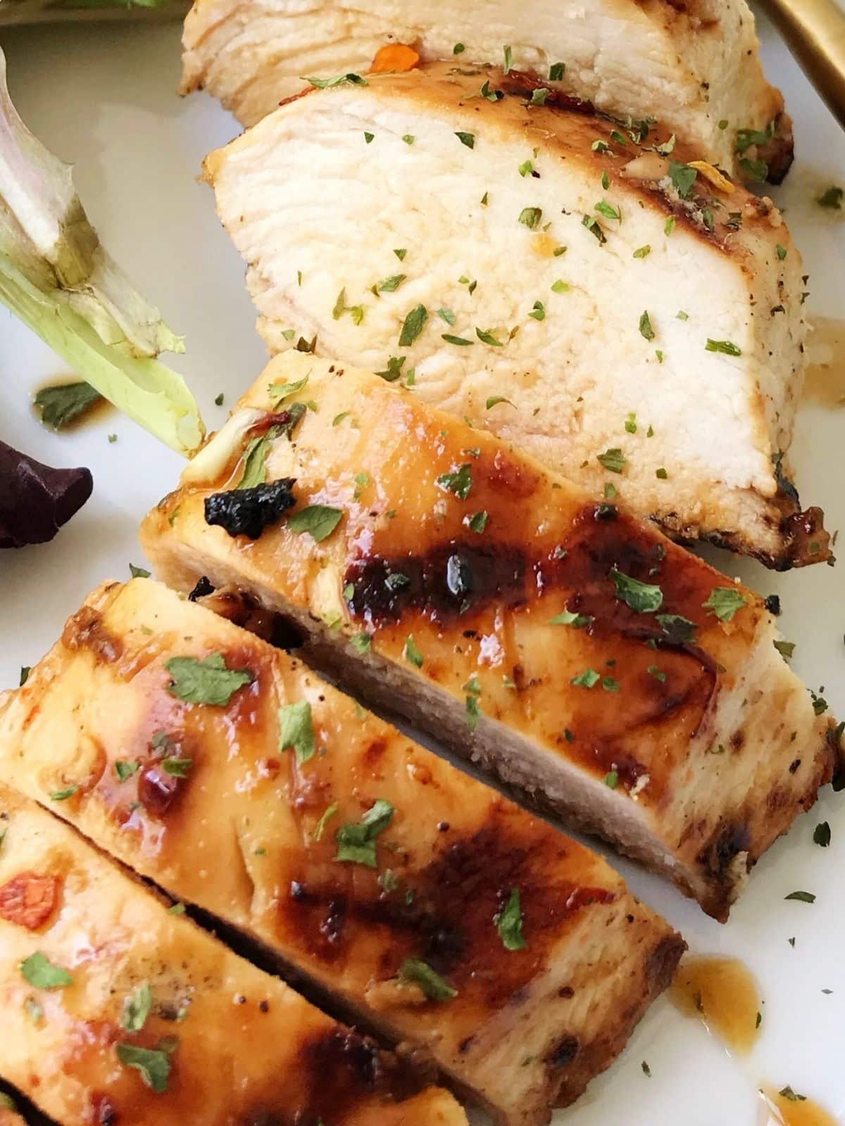 close up of sliced chicken