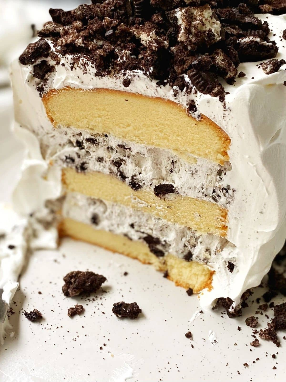 close up of oreo cake on serving platter